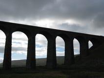 Viaducto de Ribblehead en la silueta 2 fotos de archivo