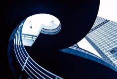 Viaducto del peatón de la escalera espiral Imagenes de archivo