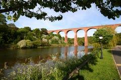 Viaducto sobre el Esk. Imagen de archivo libre de regalías
