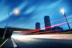 Viadukt- och ljusspår Royaltyfri Bild