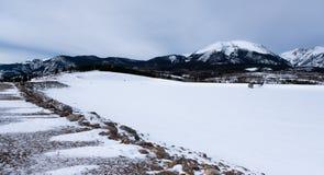 Viaduto coberto de neve em Frisco, Colorado, EUA foto de stock royalty free