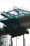 Viaduto concreto aéreo sob a construção no canteiro de obras imagens de stock