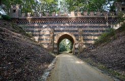 Viaduto de pedra no parque Muskauer Fotografia de Stock