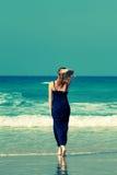Viagem caucasiano superior feliz da mulher Foto de Stock Royalty Free