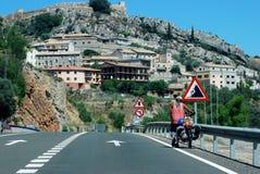 Viagem com uma bicicleta backpacking Imagem de Stock Royalty Free
