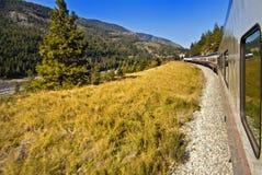 Viagem de trem de Montanhas Rochosas Fotografia de Stock