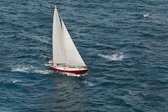 Viagem do barco de navigação fotografia de stock royalty free