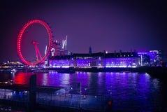 Viagem do barco de noite da opinião do olho de Londres Imagem de Stock