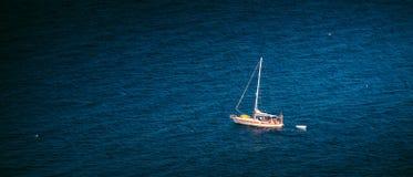 Viagem do barco na superfície Fotografia de Stock Royalty Free