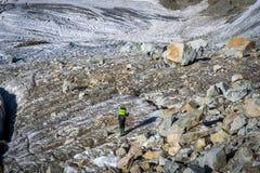 Viagem nas montanhas caucasianos em Geórgia Imagem de Stock