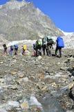 Viagem nas montanhas caucasianos em Geórgia Fotos de Stock Royalty Free