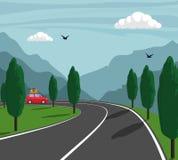 Viagem nas montanhas Passeios pequenos bonitos do carro na estrada da montanha Ilustração do vetor Fotos de Stock Royalty Free