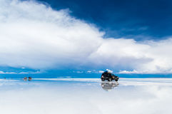 Viagem Offroad em Salar de Uyuni Imagens de Stock Royalty Free