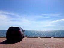 Viagem por estrada ensolarada do litoral Foto de Stock Royalty Free