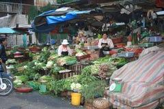 Viagem a Vietname: mercado tradicional em Dalat fotografia de stock