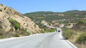 Viaggiano le strade della penisola di Sithonia archivi video