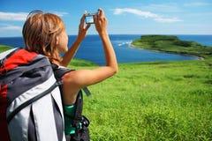 Viaggiatore con zaino e sacco a pelo Fotografie Stock