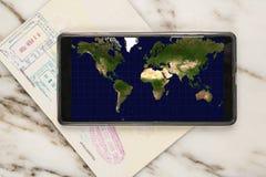 Viaggio con il telefono cellulare Immagini Stock
