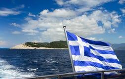viaggio con la bandiera della Grecia fotografia stock