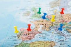 Viaggio dei perni della mappa di Europa Immagini Stock Libere da Diritti