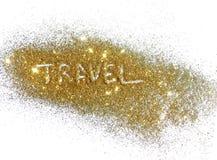 Viaggio dell'iscrizione sulla scintilla dorata di scintillio su fondo bianco Immagini Stock Libere da Diritti