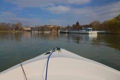 Viaggio della barca di fiume fotografia stock