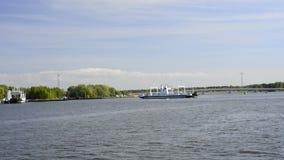 Viaggio della barca sul canale di Piast archivi video