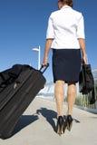 Viaggio della donna di affari Fotografie Stock Libere da Diritti