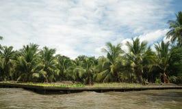 Viaggio di andata e ritorno la Tailandia luglio 2017 - mercato di nuoto di viaggio della barca in diga Fotografie Stock Libere da Diritti