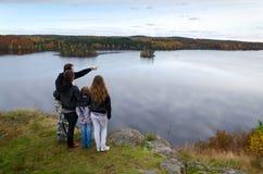 Viaggio di autunno per l'intera famiglia Fotografia Stock Libera da Diritti