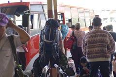 Viaggio di viaggiatore con zaino e sacco a pelo in Tailandia Immagine Stock Libera da Diritti