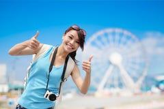 Viaggio felice della donna fotografia stock libera da diritti