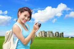 Viaggio felice della donna in Inghilterra Immagini Stock Libere da Diritti