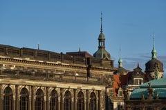 Viaggio in Germania - Dresda barrocco elegante Egna quadrato con la chiesa famosa di Frauenkirche fotografia stock libera da diritti