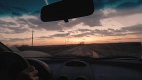 Viaggio nell'automobile al metraggio di tramonto archivi video