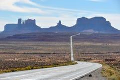 Viaggio stradale alla valle del monumento, Arizona, U.S.A. Fotografia Stock