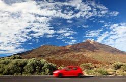Viaggio stradale dell'automobile a libertà Immagine Stock