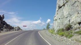 Viaggio su Chuysky Trakt attraverso il passaggio Chike Taman stock footage