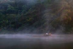 Viaggio sul rafting di bambù in Tailandia immagini stock