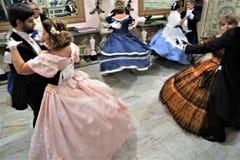 Viagrande, Catane/Italie 24 novembre 2018 : danses dans le costume du 18ème siècle images libres de droits