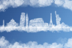 Viaja el concepto de la nube del mundo Foto de archivo