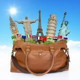 Viaja o conceito do saco dos monumentos do mundo Imagem de Stock