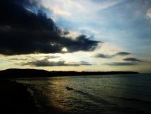 Viajam a praia e o mar bonitos Imagens de Stock Royalty Free