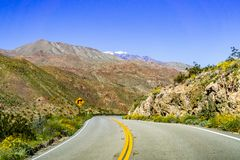 Viajando para Coachella Valley através de Santa Rosa e de San Jacinto Mountains National Monument, sul Califórnia, sul fotografia de stock royalty free