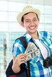Viajante com algum dinheiro fotos de stock