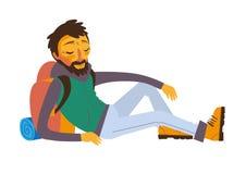Viajante farpado feliz com a trouxa no resto Imagem de Stock Royalty Free