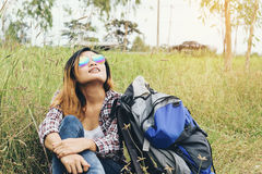 Viajante no prado Fotografia de Stock Royalty Free