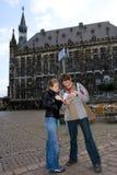 Viajantes com guia Imagens de Stock