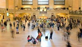 Viajantes de bilhete mensal centrais grandes fotografia de stock royalty free