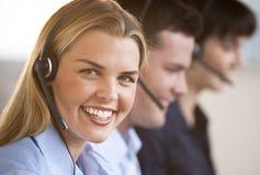 Viajantes felices del servicio de atención al cliente Imagen de archivo libre de regalías